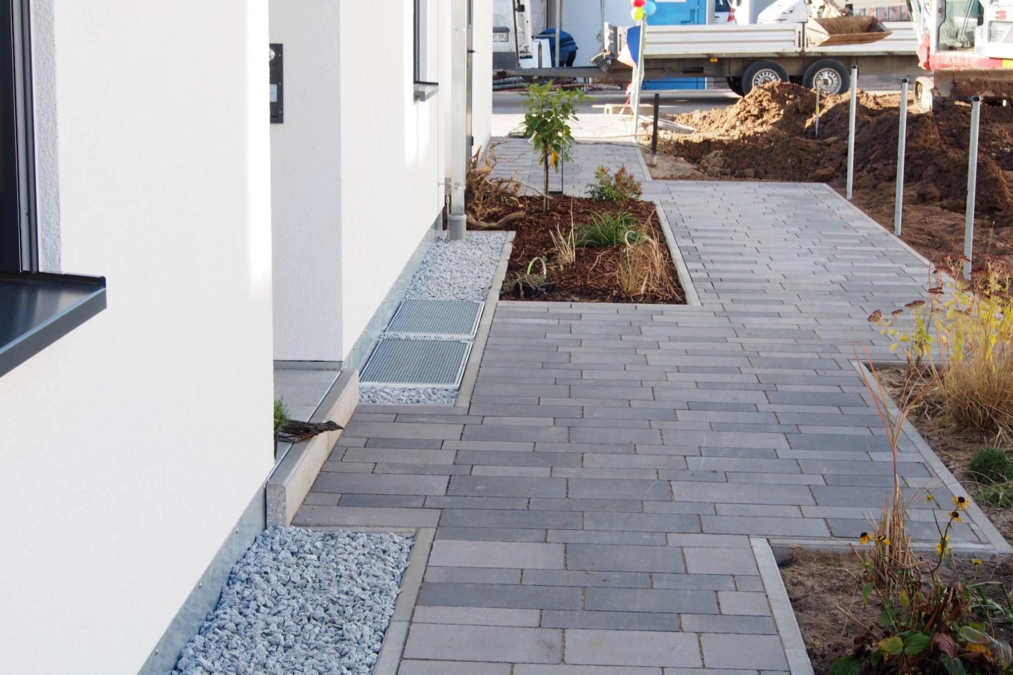 betonpflastersteine granit zierkies betonleisten gerhard steiner gmbh. Black Bedroom Furniture Sets. Home Design Ideas