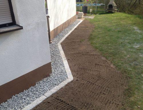 Traufstreifen mit Granitleisten